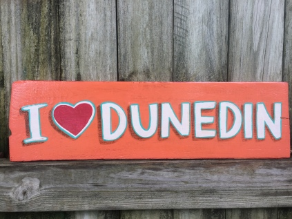 Wooden sign, coral with heart