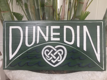 Wooden sign, large celtic with heart